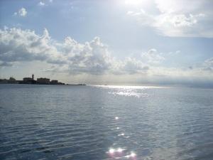 Blick von der Mole Triest aufs Adriatische Meer