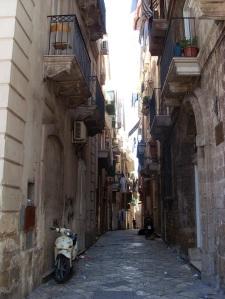 Schmuddelige Gasse in der Altstadt