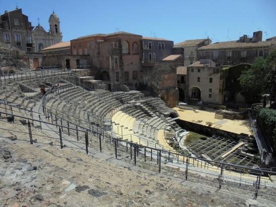 01 Teatro Antico mit kБnstlicher BewДsserung