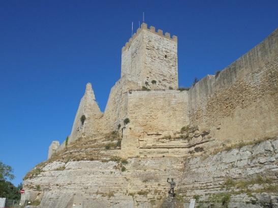 02 Castello di Lombardia
