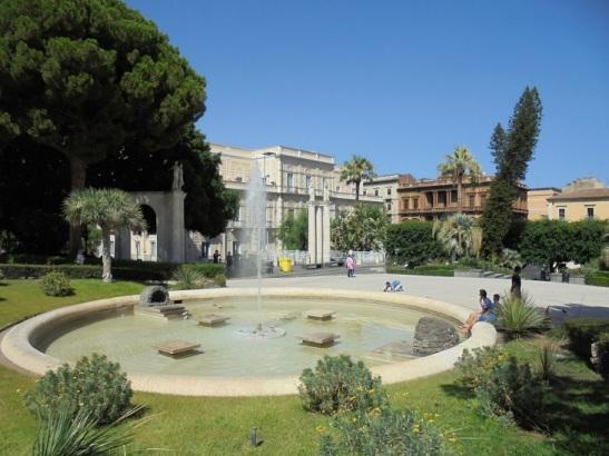 03 Parco Villa Bellini.JPG